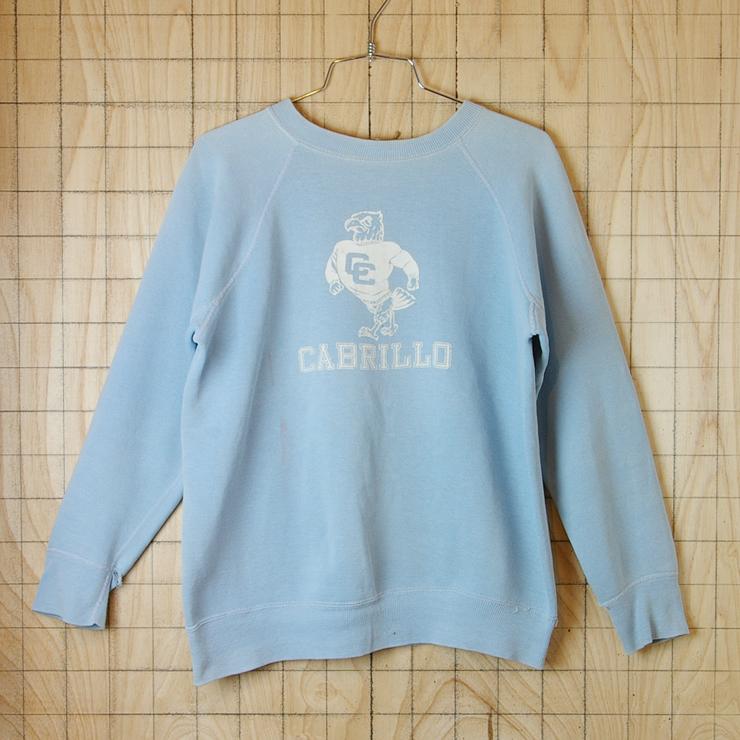 【ビンテージ】古着CABRILLO(カブリロ)ライトブルー(水色)両面プリントカレッジスウェット・トレーナー