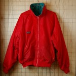 【Columbia】古着コロンビアリバーシブルレッド・グリーン(赤・緑)ナイロン100%アウトドアフルジップ中綿ナイロンジャケット
